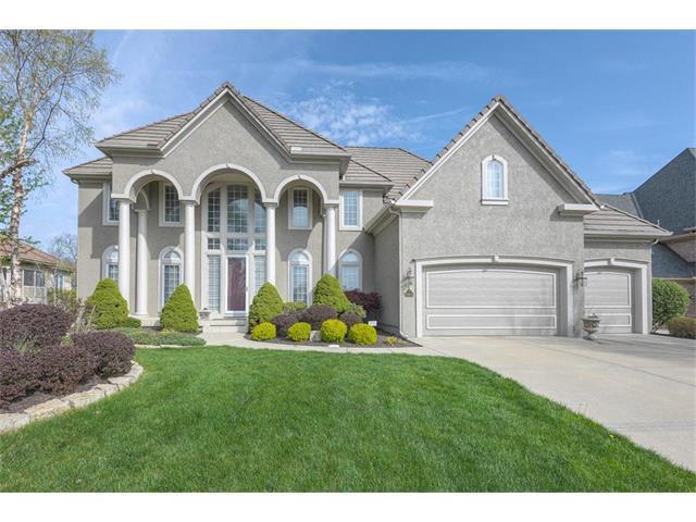 5904 NW 104 Terrace, Kansas City, MO 64154 (#2040902) :: Edie Waters Team