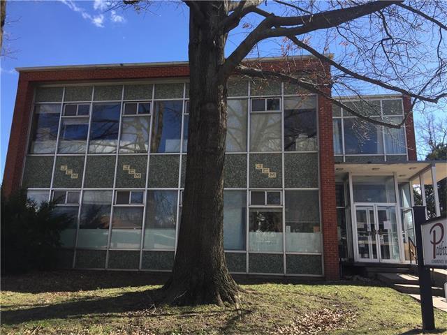 204 E Market Street, Warrensburg, MO 64093 (#2041972) :: Carrington Real Estate Services