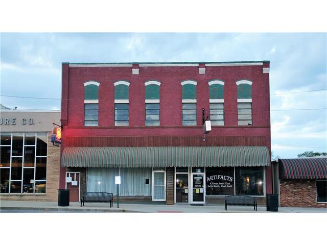 116 N Main Street, Windsor, MO 65360 (#2044207) :: Carrington Real Estate Services