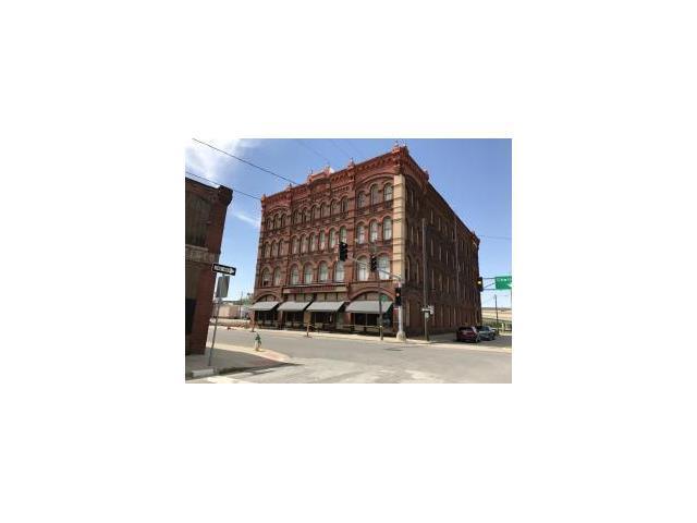 302 S 3rd Street, St Joseph, MO 64501 (#2044982) :: The Shannon Lyon Group - Keller Williams Realty Partners