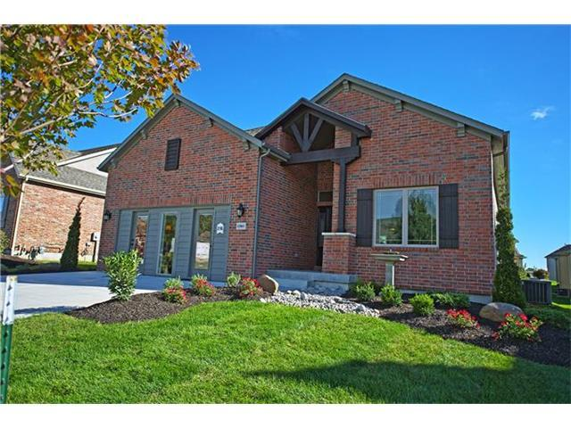 12061 S Valley Road, Olathe, KS 66061 (#2046950) :: House of Couse Group