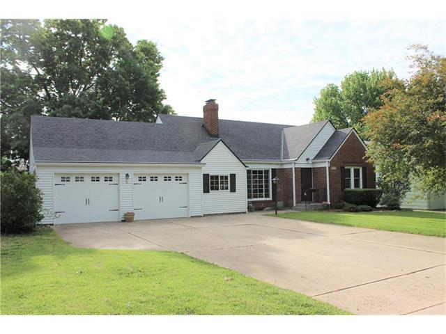 5601 Granada Street, Roeland Park, KS 66205 (#2047553) :: Select Homes - Team Real Estate
