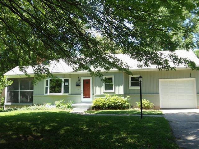 5526 Linden Street, Roeland Park, KS 66205 (#2048690) :: The Shannon Lyon Group - Keller Williams Realty Partners