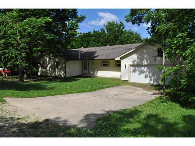 194 NE Lakeside Drive, Lacygne, KS 66040 (#2048739) :: Char MacCallum Real Estate Group