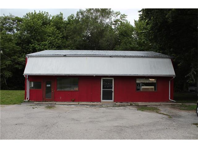 727 S Business Highway, Lexington, MO 64067 (#2048898) :: Carrington Real Estate Services