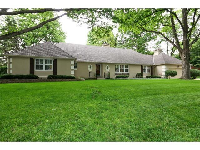 2818 W 66th Terrace, Mission Hills, KS 66208 (#2049233) :: The Shannon Lyon Group - Keller Williams Realty Partners