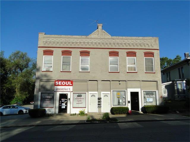 722 S 5th Street, Leavenworth, KS 66048 (#2050076) :: Carrington Real Estate Services