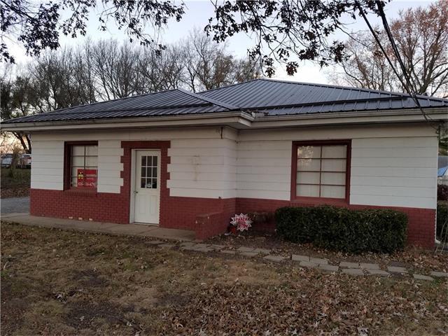 708 E Main Street, Richmond, MO 64085 (#2050288) :: Carrington Real Estate Services