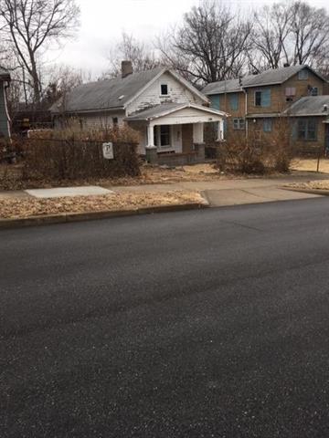 2813 Mersington Avenue, Kansas City, MO 64128 (#2051836) :: Edie Waters Network