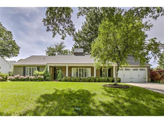 6606 Willow Lane, Mission Hills, KS 66208 (#2052798) :: Kedish Realty Group at Keller Williams Realty