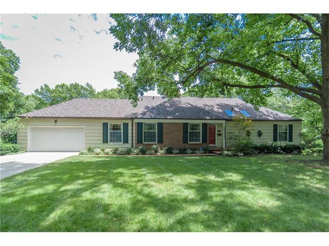 9617 Manor Road, Leawood, KS 66206 (#2053324) :: The Shannon Lyon Group - Keller Williams Realty Partners