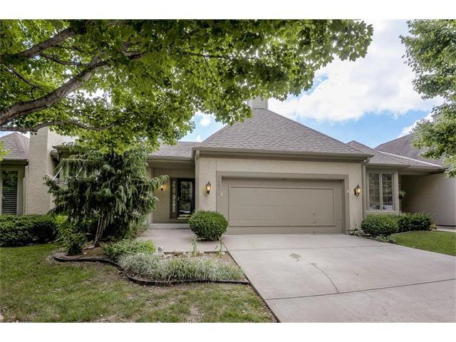12821 Cambridge Road, Leawood, KS 66209 (#2053373) :: The Shannon Lyon Group - Keller Williams Realty Partners