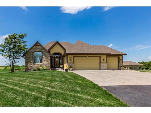 13588 S Spoon Creek Road, Olathe, KS 66061 (#2053476) :: The Shannon Lyon Group - Keller Williams Realty Partners