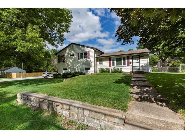 6405 Santa Fe Drive, Overland Park, KS 66202 (#2053515) :: The Shannon Lyon Group - Keller Williams Realty Partners