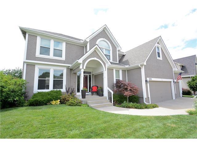 12872 Barton Street, Overland Park, KS 66213 (#2053523) :: The Shannon Lyon Group - Keller Williams Realty Partners