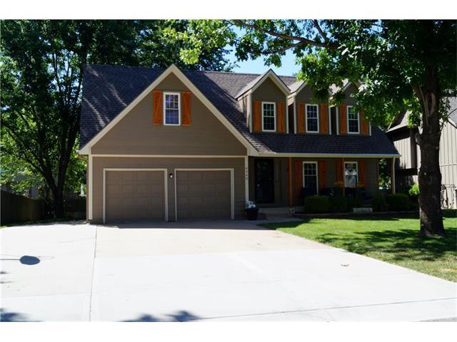 6446 Roundtree Street, Shawnee, KS 66226 (#2053536) :: The Shannon Lyon Group - Keller Williams Realty Partners