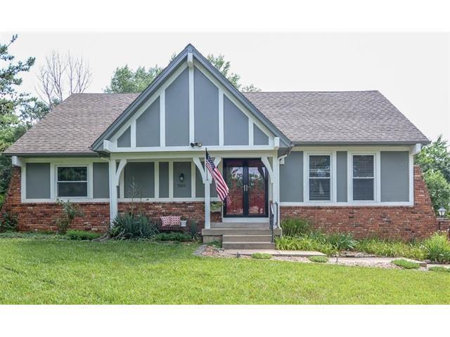 7019 Widmer Street, Shawnee, KS 66216 (#2053570) :: The Shannon Lyon Group - Keller Williams Realty Partners