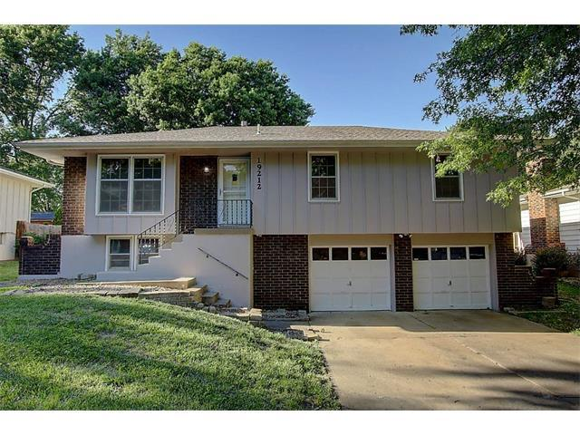 19212 E 30th Terrace, Independence, MO 64057 (#2053591) :: The Shannon Lyon Group - Keller Williams Realty Partners
