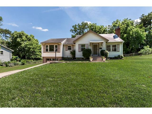 4917 Buena Vista Street, Roeland Park, KS 66205 (#2054076) :: The Shannon Lyon Group - Keller Williams Realty Partners