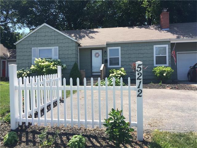 5212 Roe Boulevard, Roeland Park, KS 66205 (#2057496) :: Select Homes - Team Real Estate