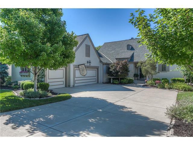 4721 W 152 Street, Leawood, KS 66224 (#2058428) :: NestWork Homes