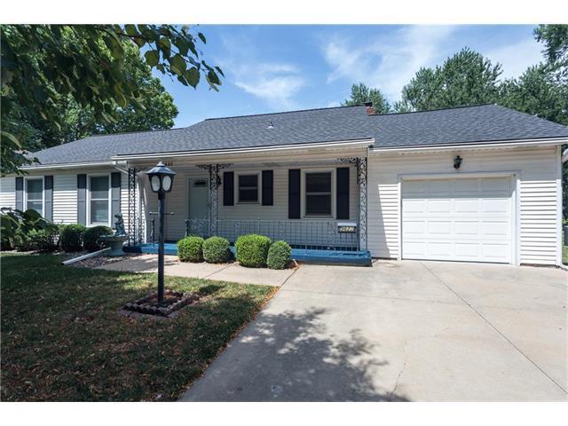 9622 Lowell Avenue, Overland Park, KS 66212 (#2058627) :: Select Homes - Team Real Estate