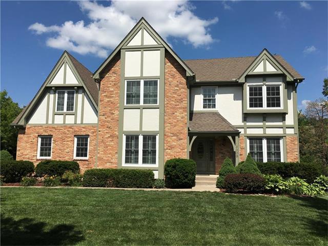 13009 Cedar Street, Leawood, KS 66209 (#2058835) :: NestWork Homes