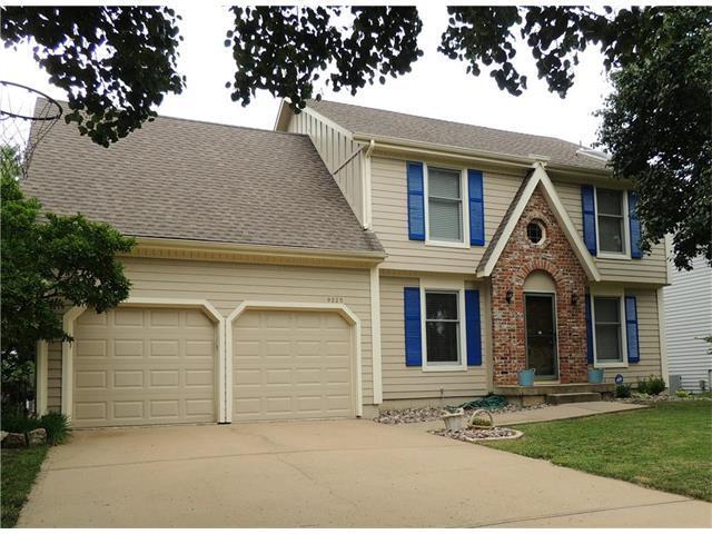 9225 Swarner Drive, Lenexa, KS 66215 (#2058841) :: NestWork Homes