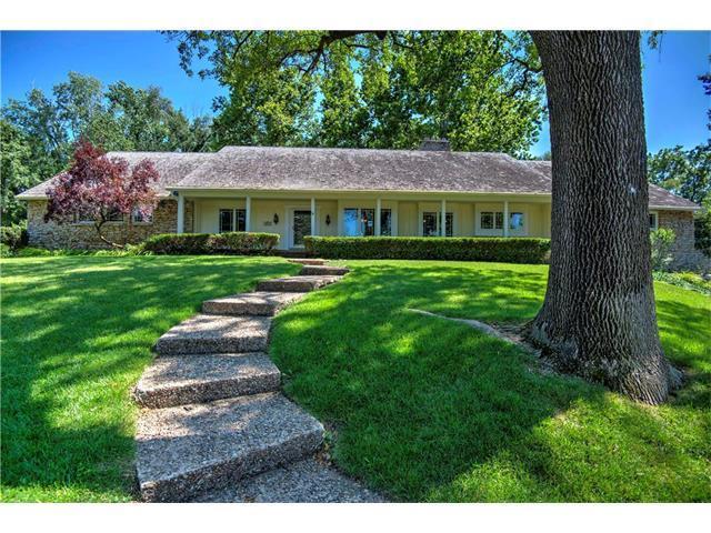 9932 Ensley Lane, Leawood, KS 66206 (#2058990) :: NestWork Homes