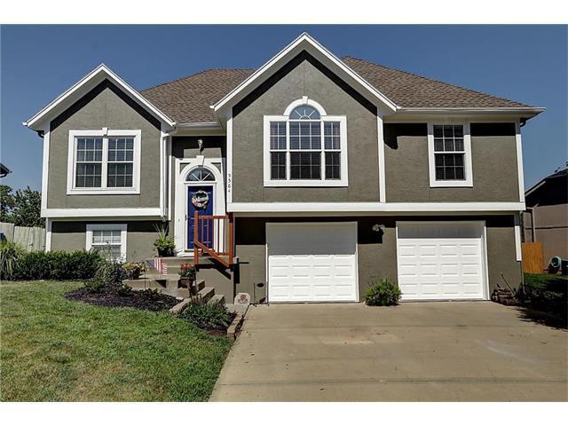 5564 Belmont Drive, Shawnee, KS 66226 (#2059034) :: NestWork Homes