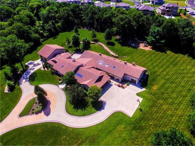 20905 W 106th Street, Olathe, KS 66061 (#2059222) :: NestWork Homes
