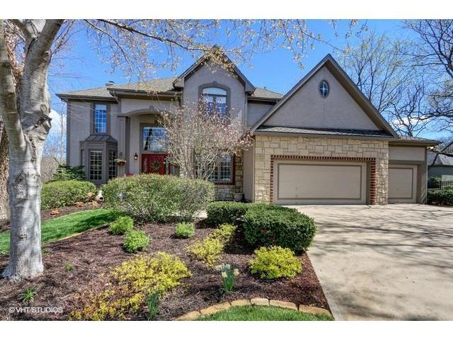 26332 W 110TH Terrace, Olathe, KS 66061 (#2059242) :: NestWork Homes