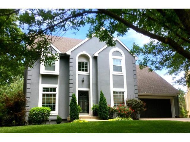13807 Pembroke Lane, Leawood, KS 66224 (#2059253) :: NestWork Homes