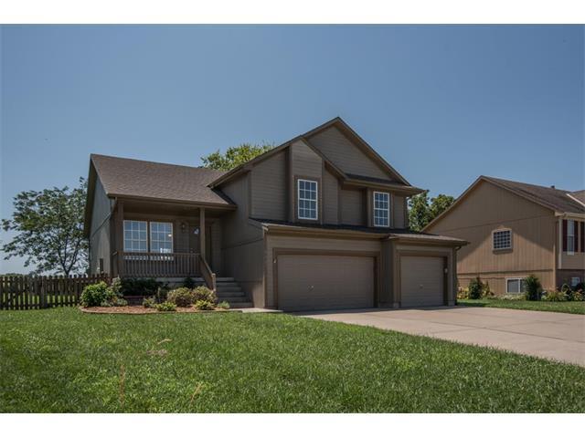 1637 SE Dalton Drive, Lee's Summit, MO 64081 (#2059259) :: NestWork Homes