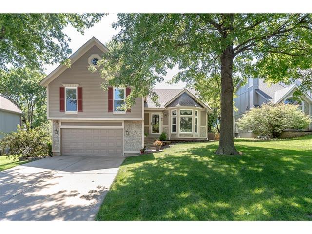 1306 N Lucy Montgomery Way, Olathe, KS 66061 (#2059260) :: NestWork Homes