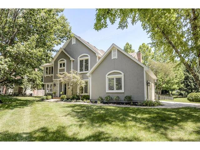 4900 W 114th Street, Leawood, KS 66211 (#2059297) :: NestWork Homes
