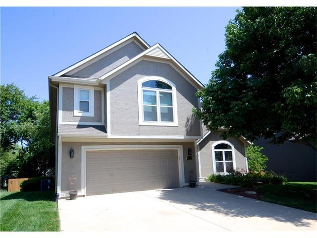 7922 W 155th Terrace, Overland Park, KS 66223 (#2059581) :: Kedish Realty Group at Keller Williams Realty