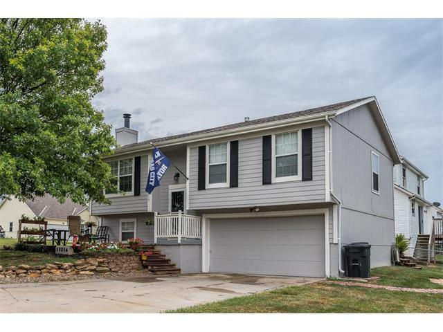 13215 Custer Avenue, Bonner Springs, KS 66012 (#2059985) :: Select Homes - Team Real Estate