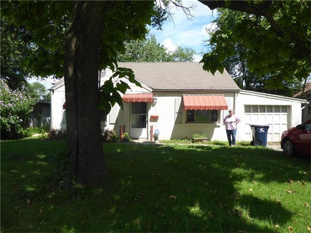 8037 Olive Street, Kansas City, MO 64132 (#2060902) :: Edie Waters Network
