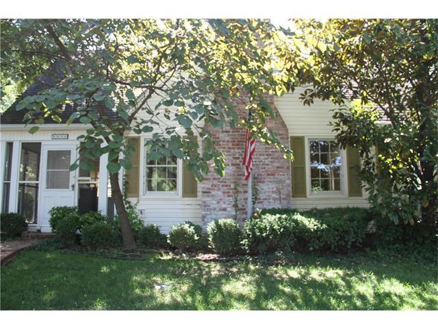 5400 Mission Road, Fairway, KS 66205 (#2061034) :: Select Homes - Team Real Estate