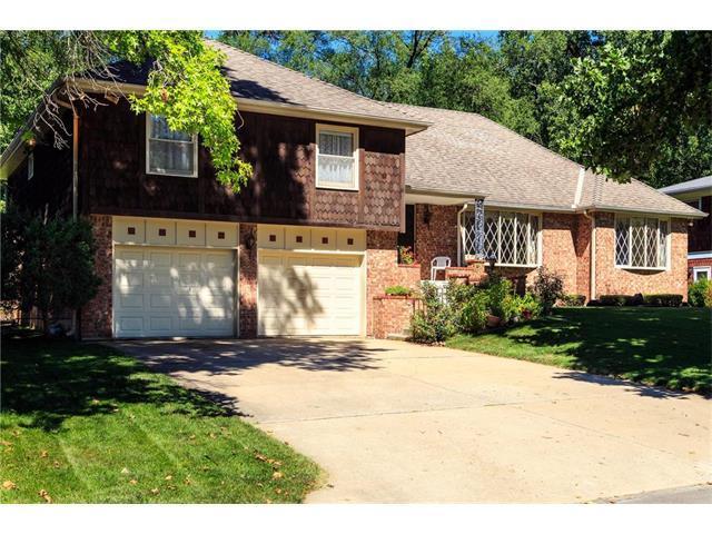 8334 Cherry Street, Kansas City, MO 64131 (#2061561) :: Edie Waters Team
