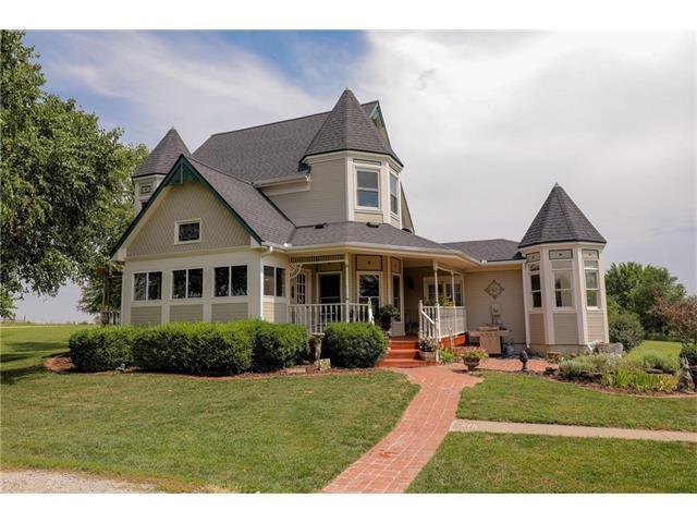 35271 Metcalf Road, Louisburg, KS 66053 (#2061617) :: Tradition Home Group
