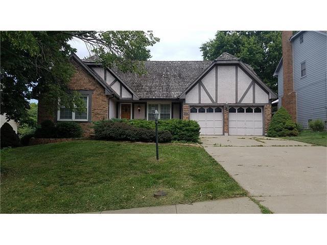 12618 W 75 Terrace, Lenexa, KS 66216 (#2061933) :: Select Homes - Team Real Estate