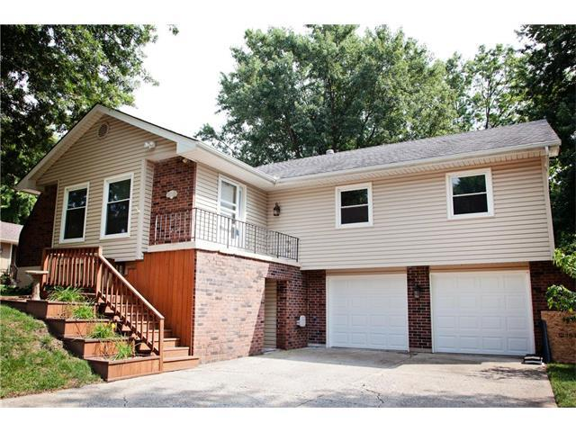 512 NW Manor Drive, Blue Springs, MO 64014 (#2062629) :: Select Homes - Team Real Estate
