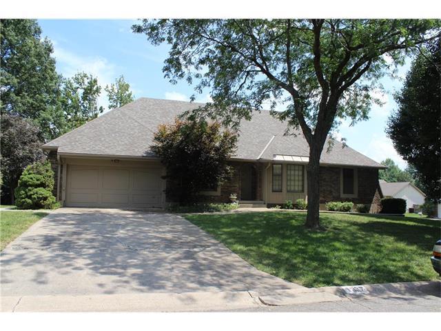 1337 NE Hilltop Drive, Blue Springs, MO 64014 (#2062664) :: Select Homes - Team Real Estate