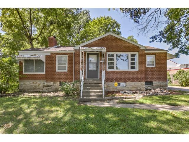 2314 S Claremont Avenue, Independence, MO 64052 (#2062919) :: Char MacCallum Real Estate Group