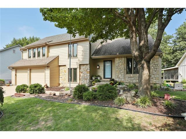 9304 W 116th Terrace, Overland Park, KS 66210 (#2063050) :: The Shannon Lyon Group - Keller Williams Realty Partners
