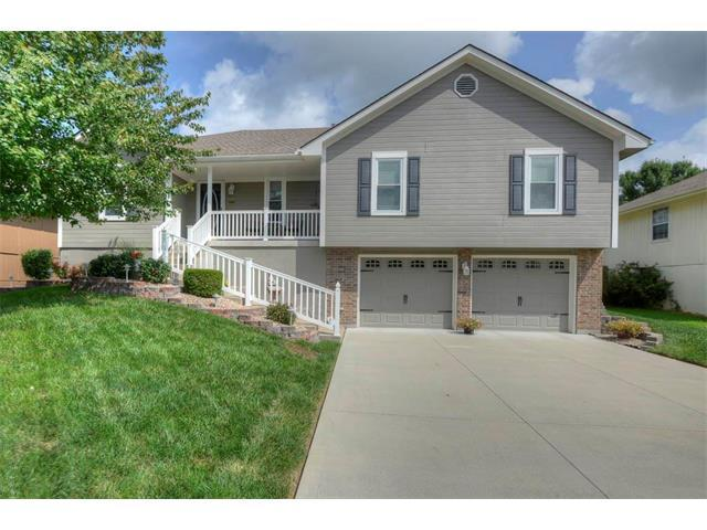 1101 SW Hillcrest Drive, Blue Springs, MO 64015 (#2063090) :: Select Homes - Team Real Estate