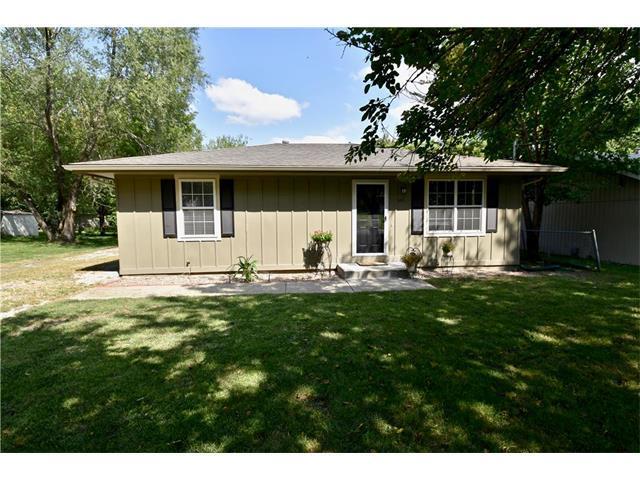 434 N Pine Street, Olathe, KS 66061 (#2063125) :: The Shannon Lyon Group - Keller Williams Realty Partners
