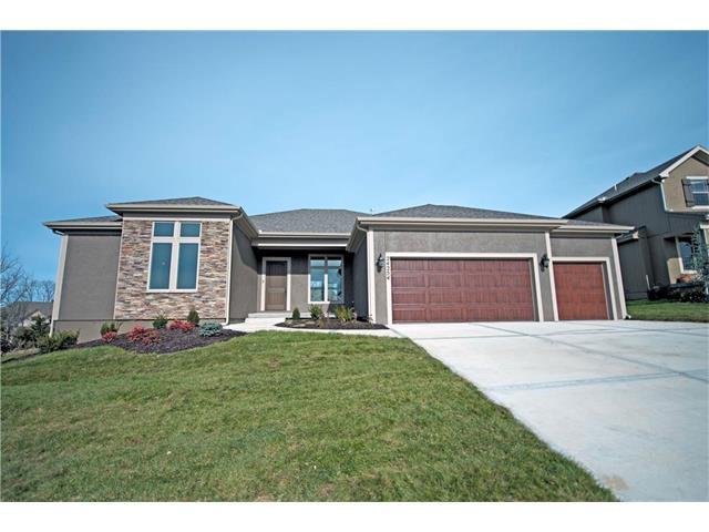 17509 Manor Street, Overland Park, KS 66085 (#2063187) :: Select Homes - Team Real Estate